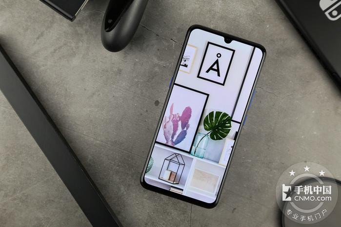问世即巅峰?vivo全新子品牌iQOO上手体验谈第9张图_手机中国论坛